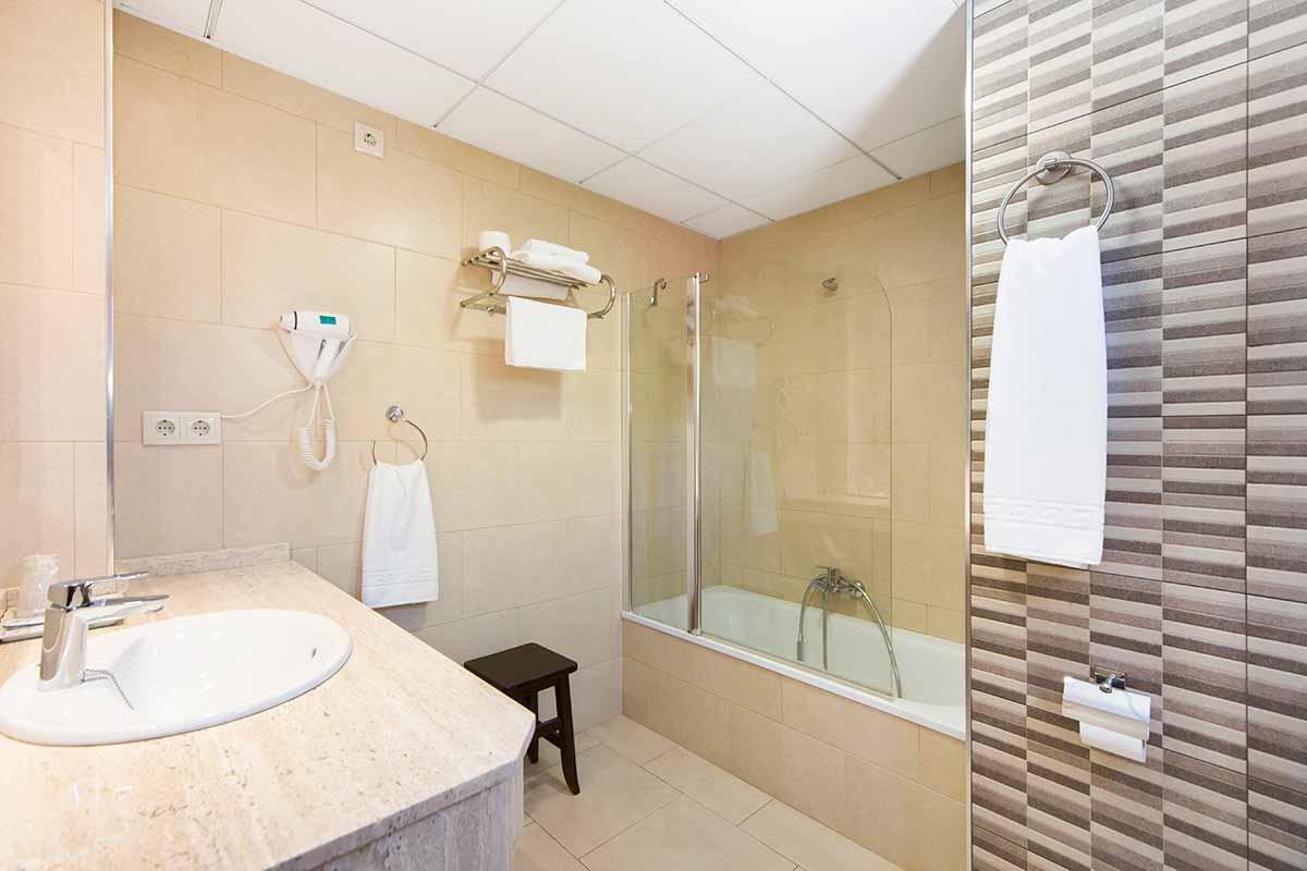 palmeras crevillent alicante hotel palmeras baño
