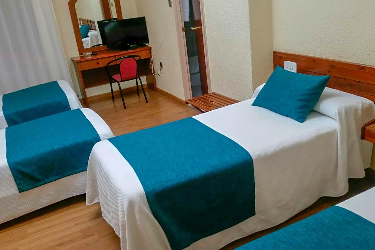 palmeras crevillent alicante hotel goya camas cuadruple
