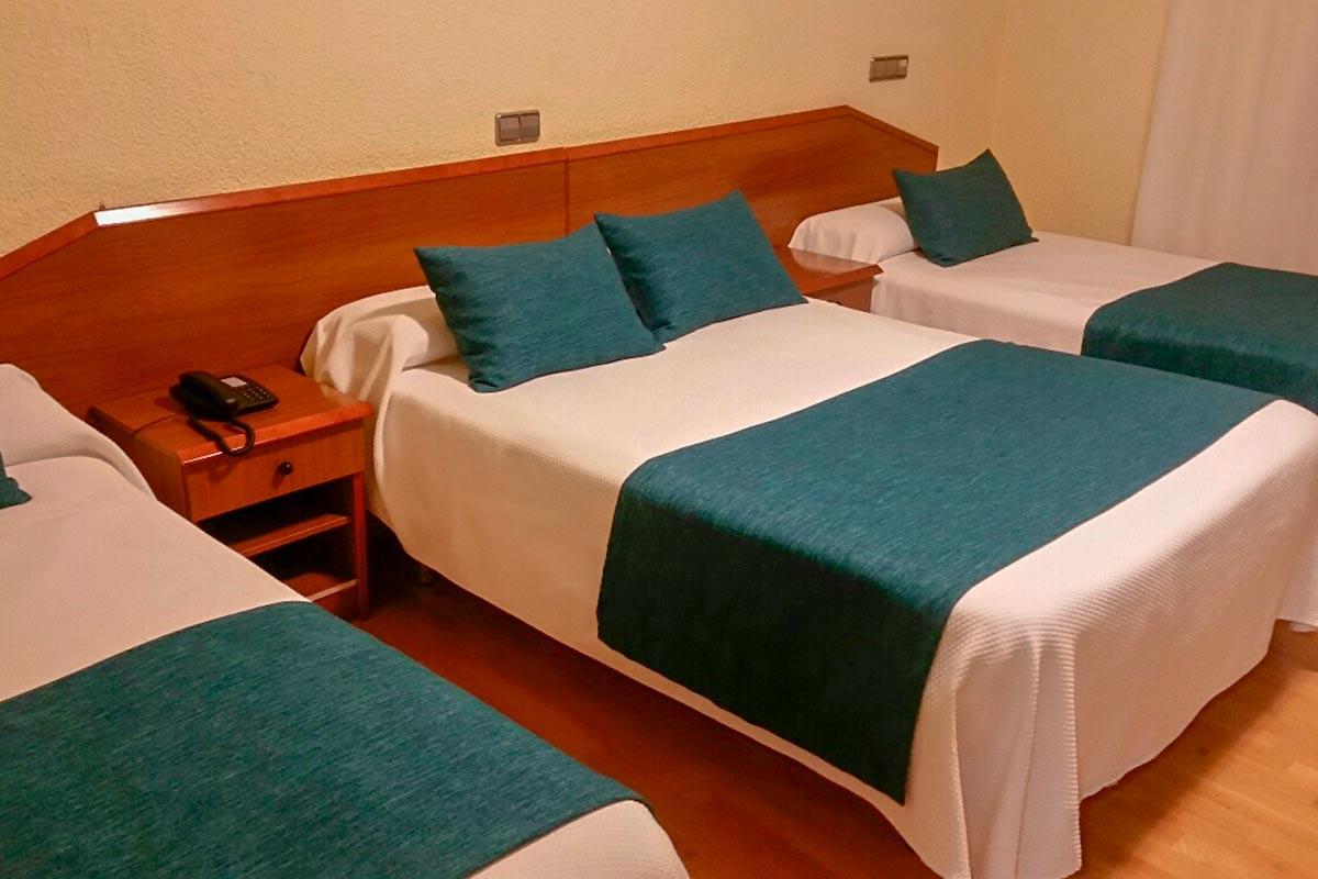 palmeras crevillent alicante hotel goya camas triple